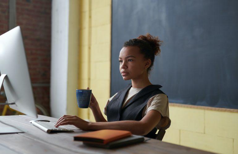 CLASES VIRTUALES: SAQUE PROVECHO A LA TECNOLOGÍA